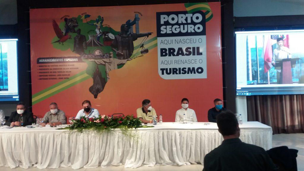Jânio reúne ministro, deputados, presidente de banco e realiza maior evento de retomada do turismo no Brasil. 25