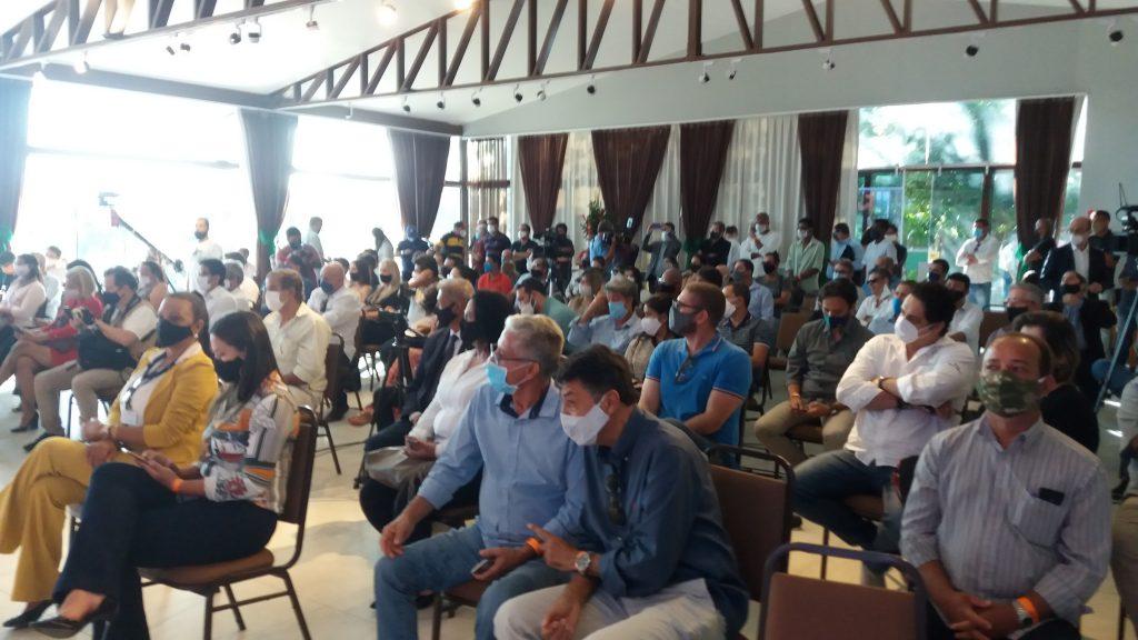 Jânio reúne ministro, deputados, presidente de banco e realiza maior evento de retomada do turismo no Brasil. 27